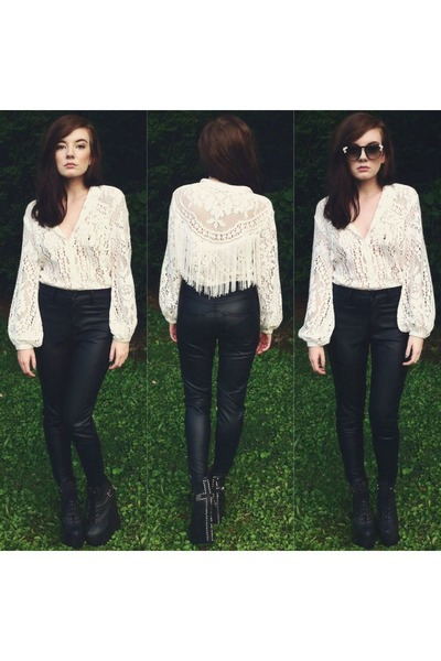 white top - black vintage sunglasses - black Forever 21 pants