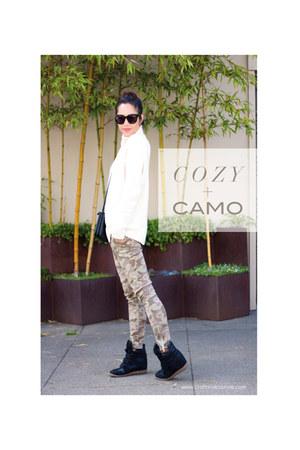 Gap sweater - Old Navy jeans - Celine purse - Celine sunglasses
