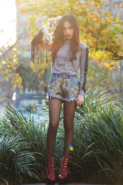 ruby red Jeffrey Campbell boots - gold Mimco bag - One Teaspoon shorts - red Ale