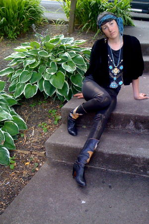 black vintage jacket - black vintage t-shirt - black Rag Hag leggings - black vi