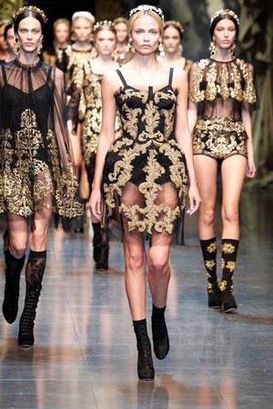 black lace Dolce&Gabbana dress - gold Dolce&Gabbana accessories