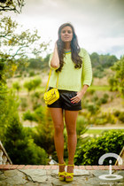 Sheinside bag - Stradivarius shorts - Queens Wardrobe jumper - Zara sandals
