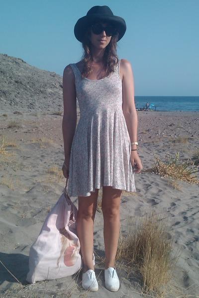 pink Oysho dress - white shoes - black Zara hat - pink selfmade bag