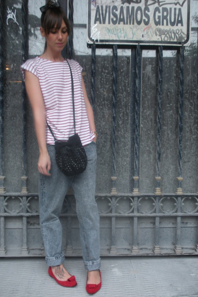red Oysho t-shirt - gray vintage from my mothers closet jeans - red hazel shoes