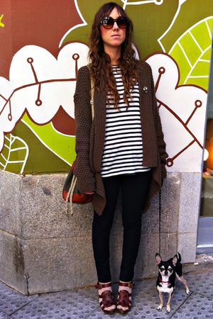 brown Zara cardigan - black Mango shirt - black hm jeans - brown Zara shoes - gr