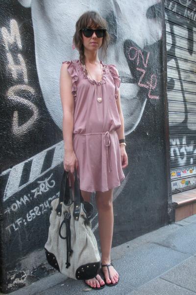pink Oysho dress - black sandals shoes - black Ray Ban sunglasses