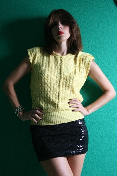 yellow Vtg blouse - black H&M skirt - gold H&M bracelet