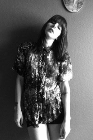 black velvet H&M shorts - black flower pattern Vtg blouse
