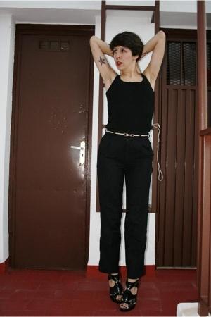 pants - t-shirt - shoes - belt