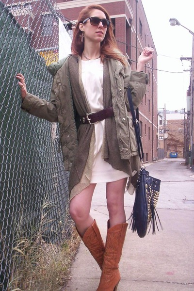 army green Insight coat - olive green Hendi cardigan - white Collective Concepts