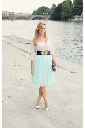 aquamarine tulle asos skirt - navy clutch H&M bag - eggshell Zara heels
