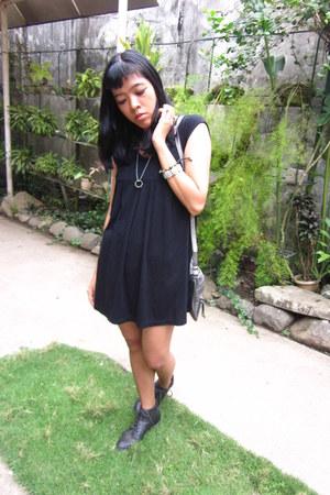 black laced ups Forever21 boots - black vintage dress - silver Ninewest bag