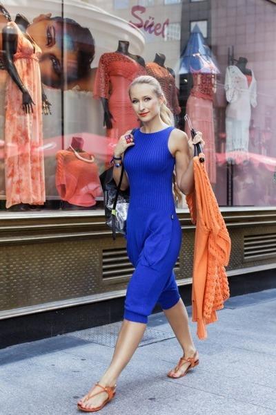 Blue-loose-suel-dress-dark-gray-handmade-eosine-bag