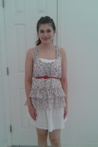 white top - white dress - red belt - silver horseshoe necklace