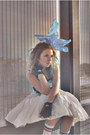 Sky-blue-bow-tie-accessories-white-skirt-teal-top-black-gloves