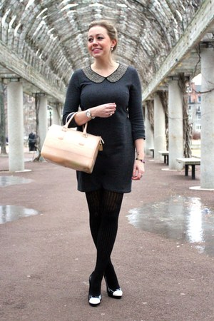 charcoal gray Fevrie dress - black HUE tights - light pink satchel Furla bag