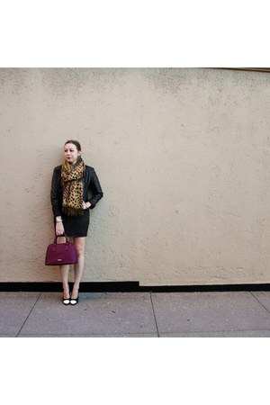 bronze leopard scarf - black heels Chanel shoes - gray knit dress