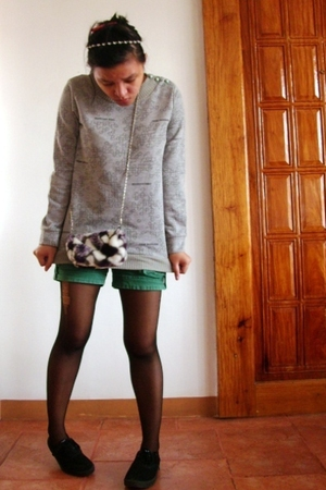 oversized sweater - Freeway shorts - true love bag accessories - whoknows tights