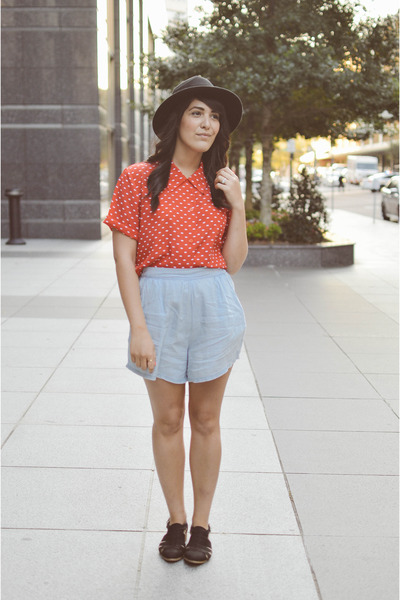 polka dot top thrifted vintage top - fedora hat Charlotte Russe hat