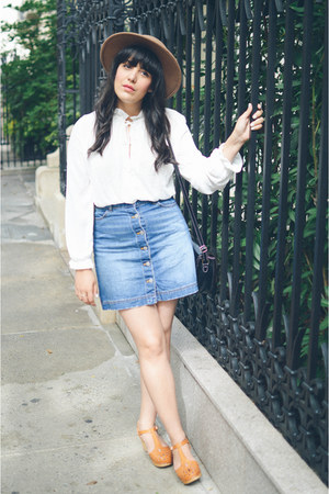mini skirt H&M skirt - fedora hat Forever 21 hat - white blouse H&M top