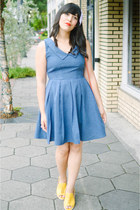 modcloth purse - denim dress Apricity dress - Clarks heels
