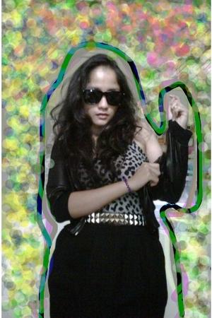 black itsy bitsy online shop at facebook jacket - black Ray Ban sunglasses - bla