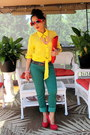 Yellow-abyer-peebles-top-olive-green-kohls-mudd-pants-red-payless-heels