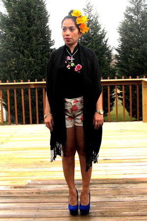 black flea market top - pink Target floral shorts