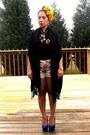 Pink-target-floral-shorts-black-tjmaxx-shawl-accessories
