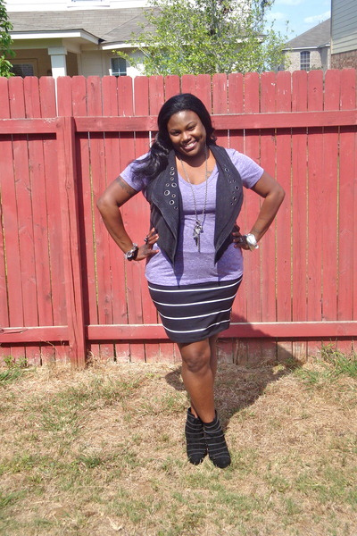 black suede rachel roy boots - black striped sears skirt - light purple burnout