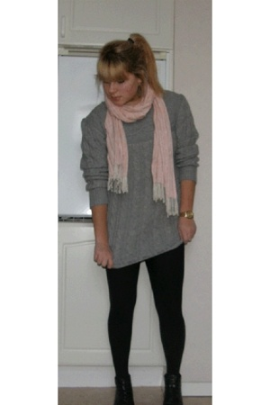 Rut mfl sweater - H&M scarf - vintage shoes