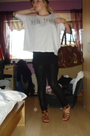 weekday t-shirt - GINA TRICOT leggings - Deichmann shoes - Miu Miu accessories