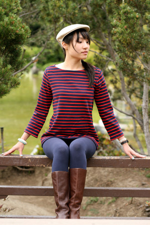 brown boots - ruby red sweater - navy leggings