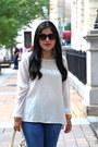 Zara-jeans-bcbg-max-azria-bag-zara-sandals-forever-21-blouse