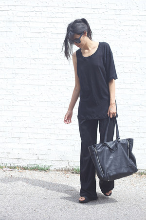 black zipper Zara bag - black palazzo Zara pants - black slides Topshop sandals