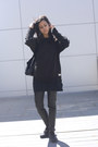 Black-runners-reebok-shoes-black-pyjamas-ralph-lauren-dress