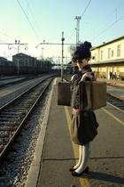 Sisley blouse - Doris F skirt - Calzedonia socks - glasses