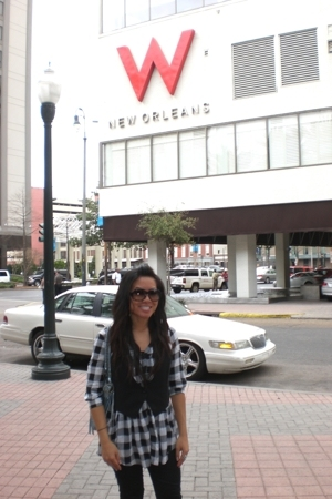 Wet Seal shirt - Guess pants - Gucci sunglasses