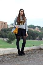 heather gray cotton Zara sweatshirt - black suede Dr Martens boots