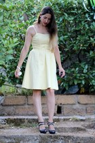 navy faux leather Stradivarius shoes - light yellow cotton H&M dress