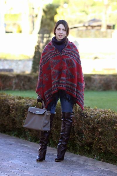 crimson wool ovs cape - dark brown leather Chloe boots