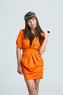 Carrot-orange-cocco-dress-turquoise-blue-bow-headband-quirky-finds-accessories