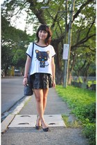 white kitty shirt - black Solemate flats