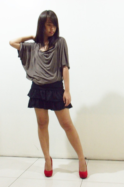 red suede MNL heels - black Shopaholic skirt