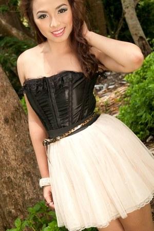 black corset cocco intimate - cream soft tulle skirt - camel nude Mario Dboro he