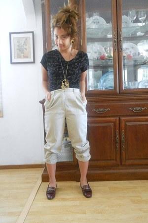 black Briggs New York Petite blouse - camel khaki Dennis pants - brick red etien