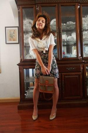 heels - burnt orange vintage Dooney and Bourke bag