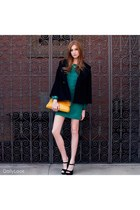 mustard chain clutch Dailylook purse - black mary janes Qupid shoes