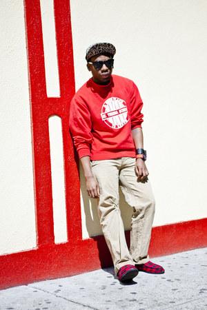 vintage sweatshirt - Quiksilver boots - Quiksilver hat