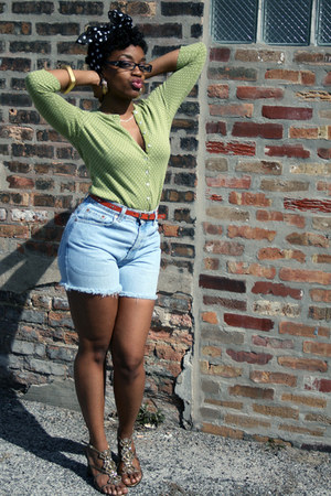 Nine West shoes - thrifted vintage scarf - Levis shorts - banana republic top